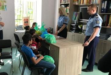 Campanie de suflet a polițiștilor. Au donat sânge și cu tichetele primite au cumpărat cadouri pentru copiii nevoiași