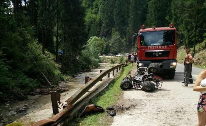 S-a răsturnat cu ATV-ul în Someș și a intrat direct în comă. Un elicopter SMURD l-a dus la spital – FOTO