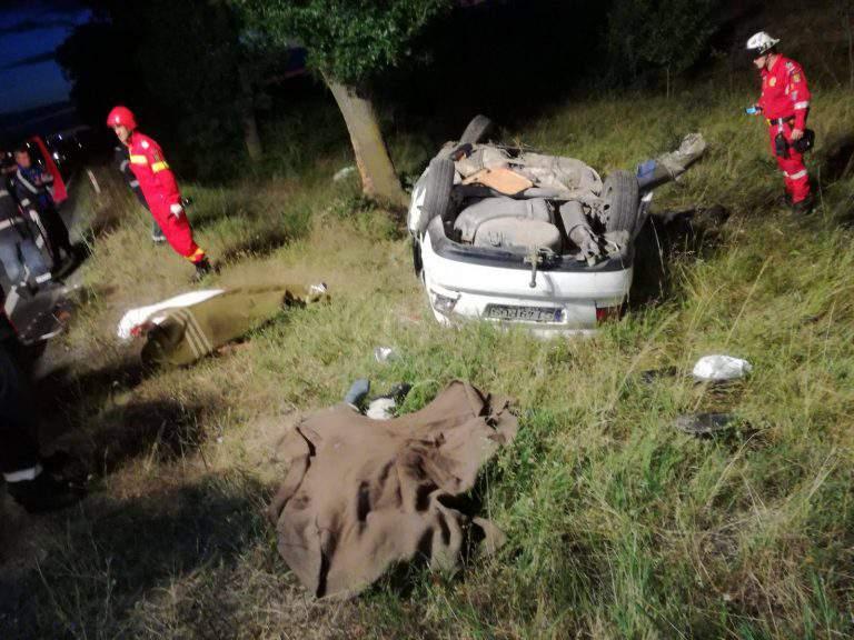 accident mortal masina rasturnata copac zerind