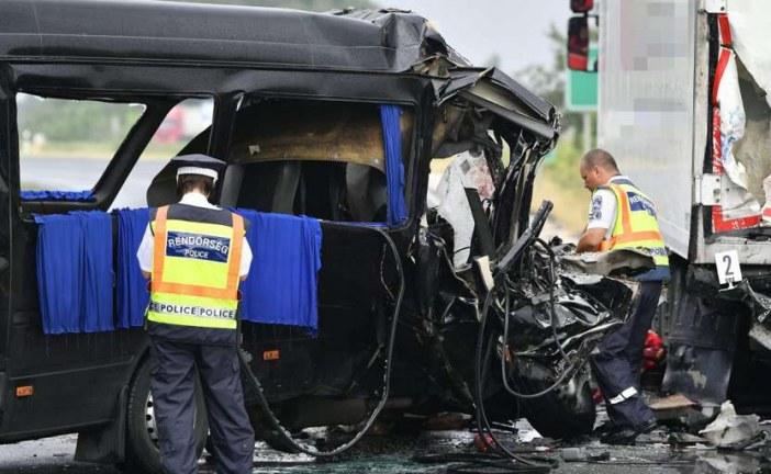 Trei cetățeni români au murit într-un accident rutier în Ungaria – VIDEO