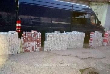15.000 de pachete cu ţigări, ascunse în pereţii dublii, portiere sau bordul unor autovehicule – VIDEO