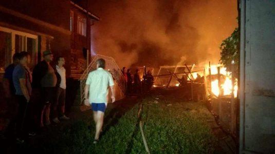 incendiu doua case dumitra bistrita