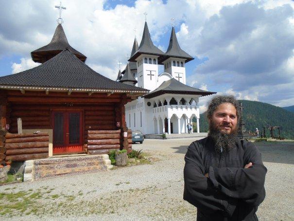 manastirea-prislop-exterior-staret-celestin