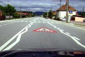 Lucrări de marcaje rutiere pe mai multe drumuri judeţene în Cluj