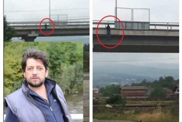 Un jurnalist s-a sinucis, spânzurându-se cu cureaua de la pantaloni de un pod – FOTO