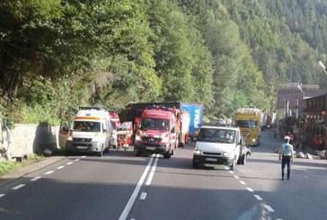 Accident grav la Negreni, după impactul dintre un autoturism și un autotren – FOTO