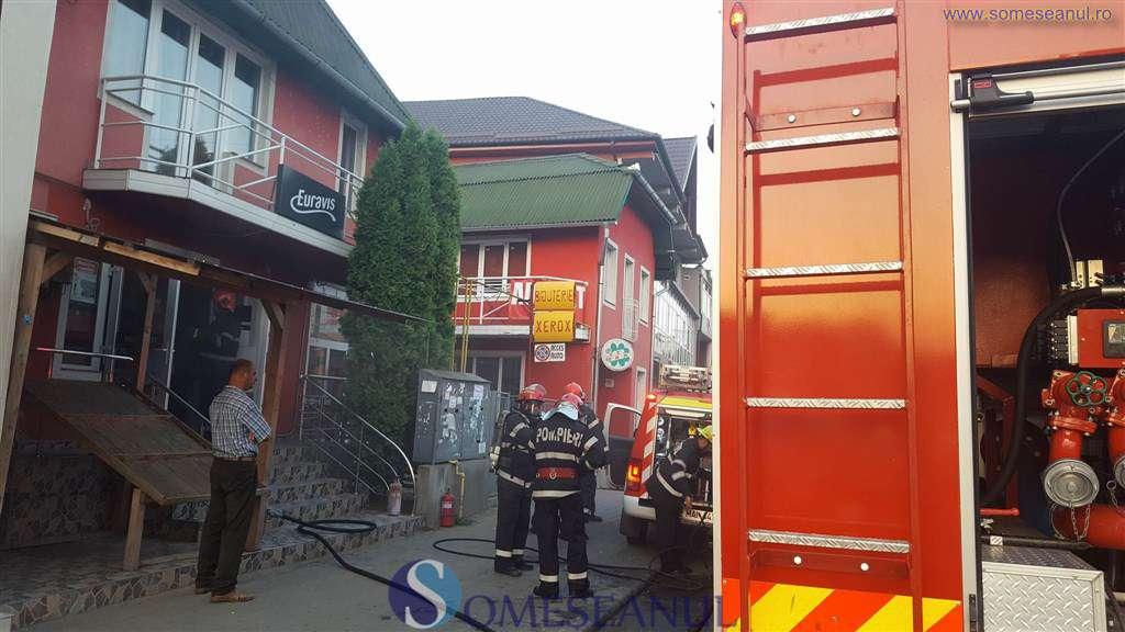 someseanul-incendiu magazin dej (3)