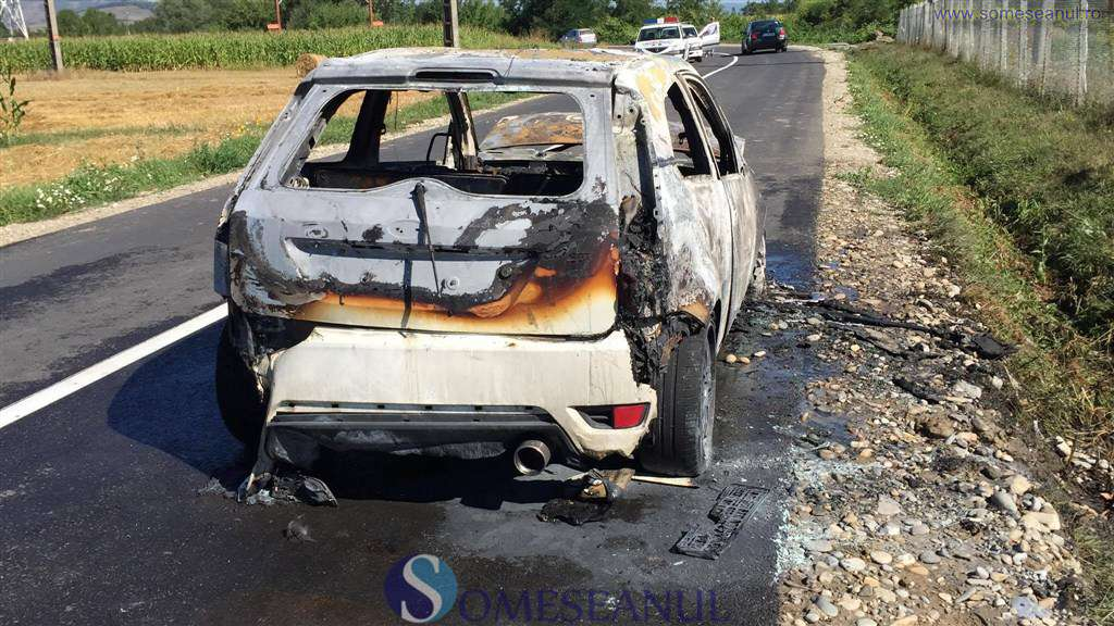someseanul-incendiu masina nicula
