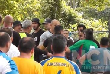 Tineri din Dej, fani ai Universității Cluj, urmăriți penal pentru implicare în bătaia generală cu fanii unguri