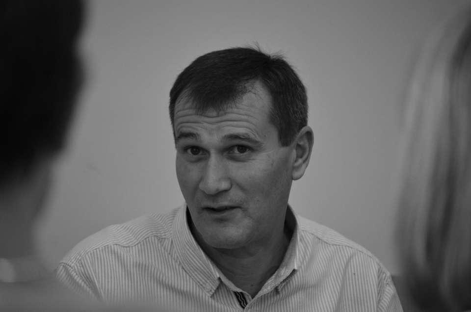 Jurnalist TVR Cluj, găsit mort pe un câmp. Animalele i-au devorat cadavrul