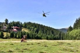 Salvamontiștii clujeni se perfecționează în domeniul salvărilor de victime cu elicopterul