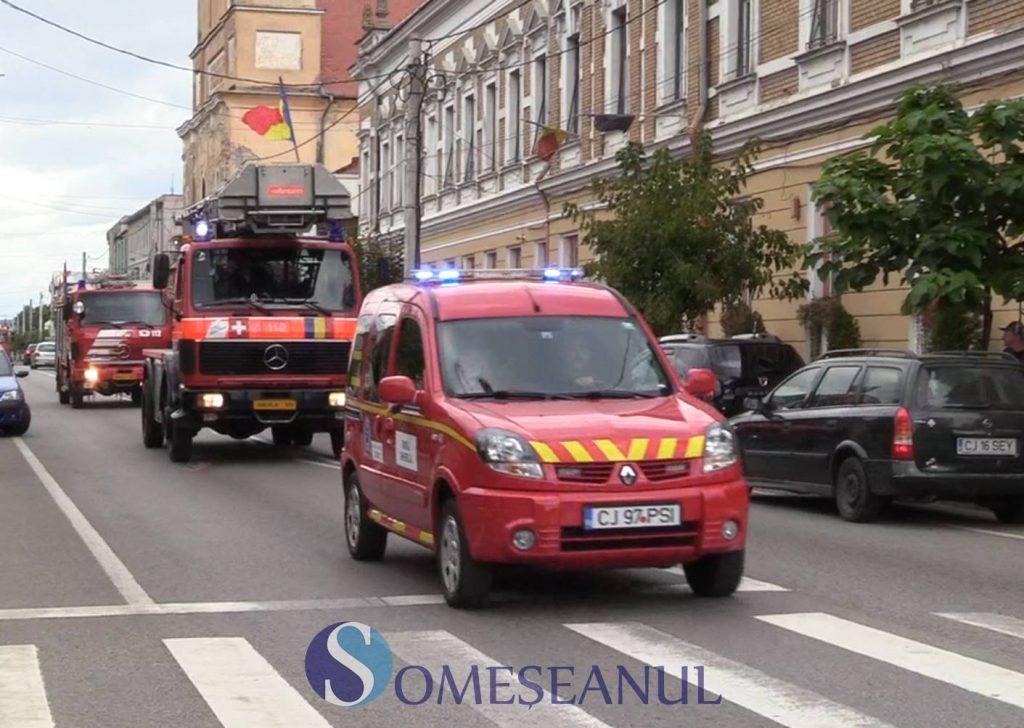 Ziua Pompierilor Români, sărbătorită la Gherla printr-o paradă a autospecialelor – VIDEO
