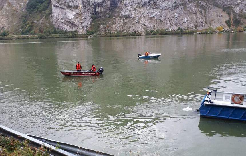 Accident tragic. O mașină în care se află doi soți și copiii lor, scufundată în Dunăre – VIDEO