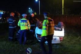 Rupt de beat, s-a răsturnat cu mașina lângă o benzinărie din Dej – FOTO/VIDEO