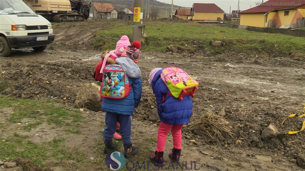 drumuri acces scoala gradinita ocna dejului