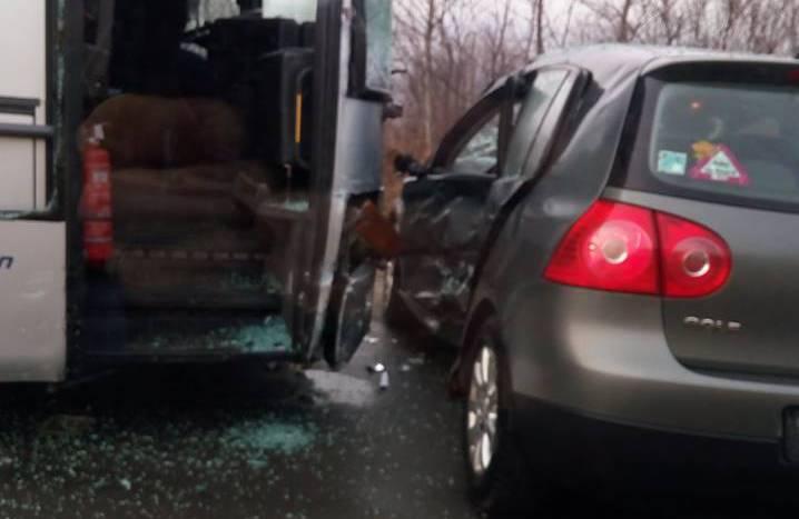 accident autobuz autocar turda (3)