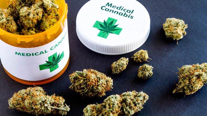 Cannabis-for-Crohns-Disease-1440x810