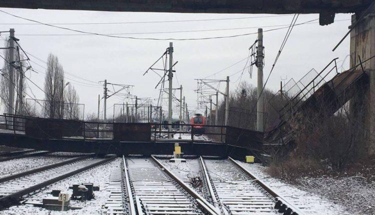 pasarela prabusita calea ferata