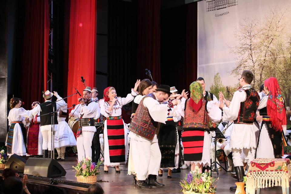 spectacol folcloric casa de cultura a studentilor cluj