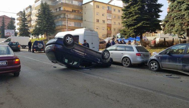 accident masina rasturnata dej