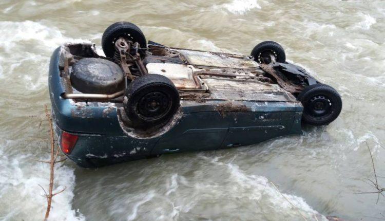 accident masina rasturnata vale salauta