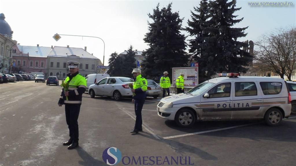 someseanul-actiune politia rutiera dej flori de martisor