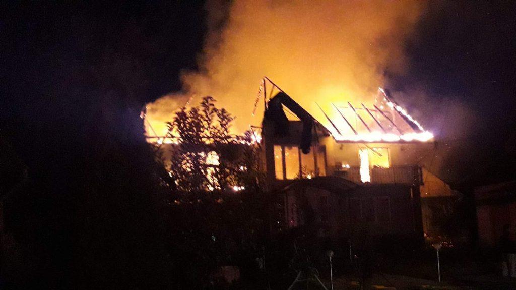 incendiu acoperis casa