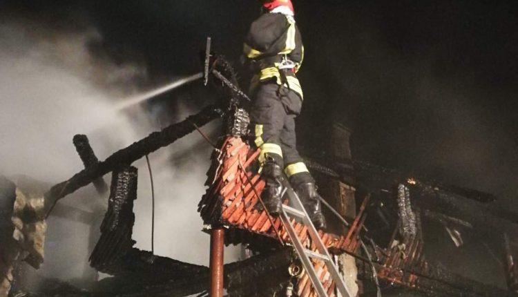 incendiu casa mijlocenii bargaului (2)