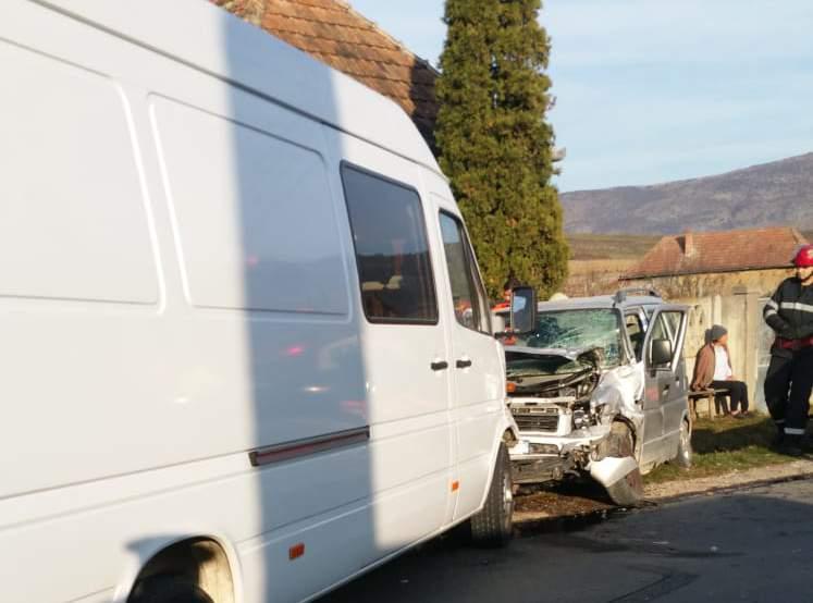 accident autoutilitara petrestii de jos