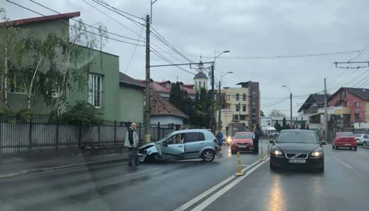 accident masina stalp cluj