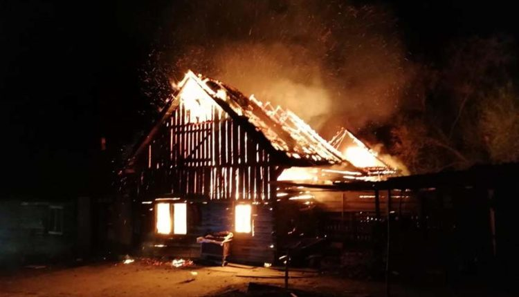 incendiu gospodarie bistrita bragaului