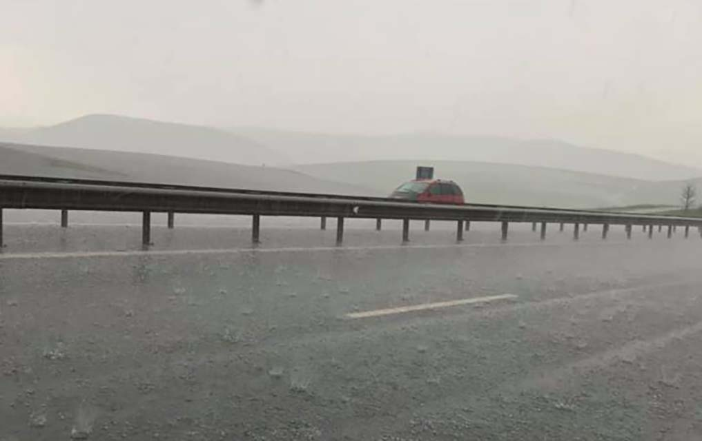 ploaie grindina autostrada