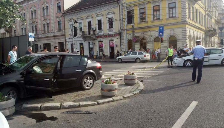accident-piata-avram-iancu-tanara-ranita-trotuar