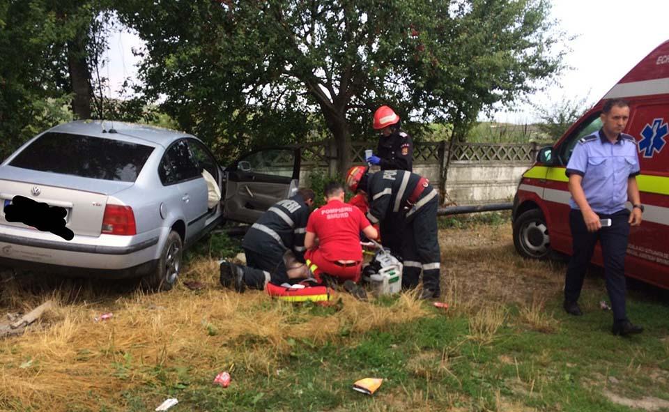 accident resuscitare masina gard