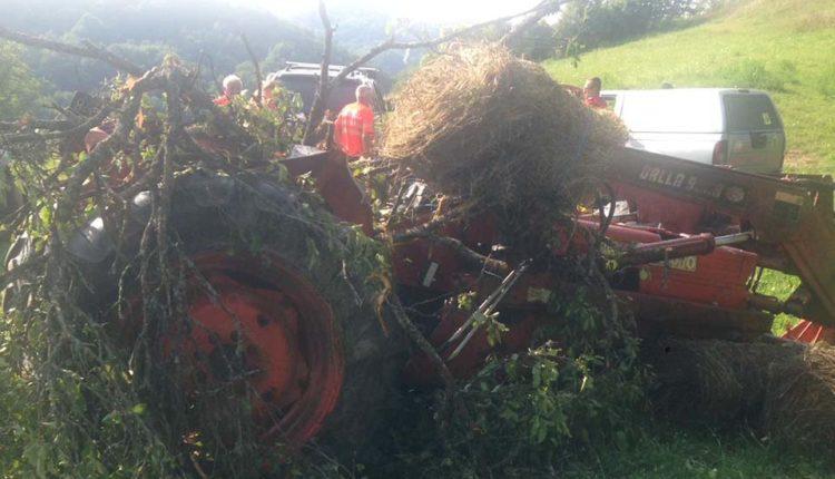 accident tractor rasturnat feldru (1)