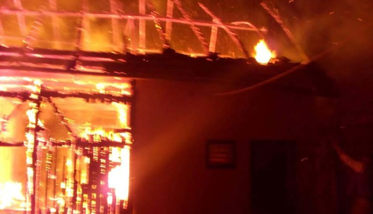 incendiu casa fildu