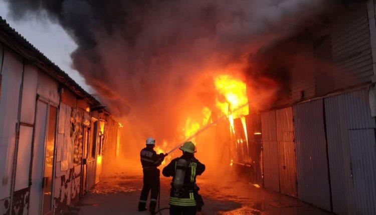 incendiu garaj depozit floresti