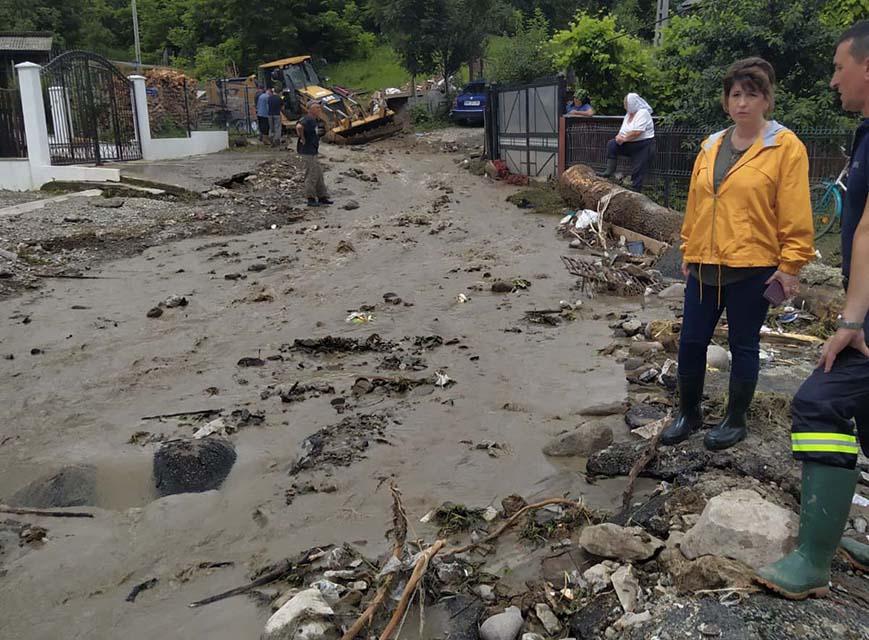inundatii drum surpat maramures